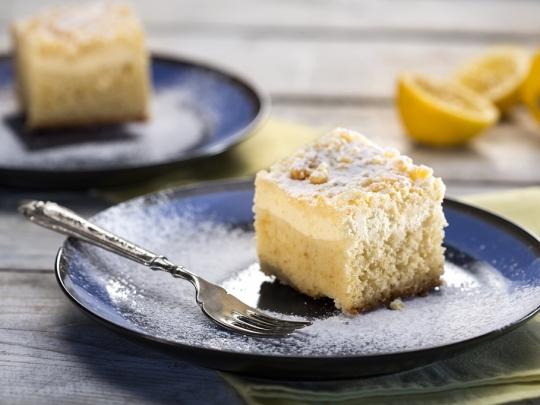 Лимонов сладкиш с кисело мляко