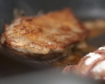 Свински дроб на тиган със спанак 5