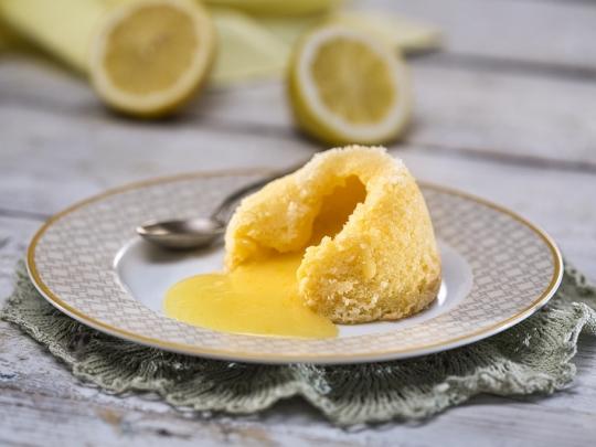 Лимонов лава кейк