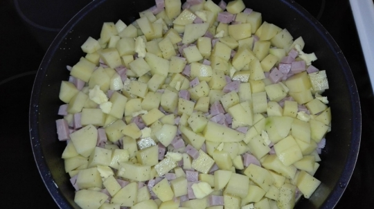 Картофки с шунка и кашкавал