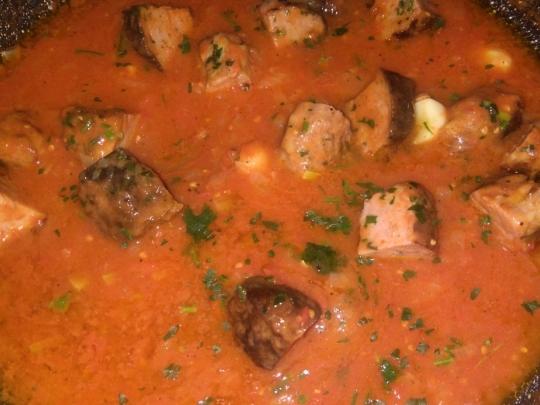 Кюфтета на скара с доматен сос