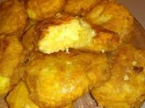 Картофени кюфтета с топено сирене