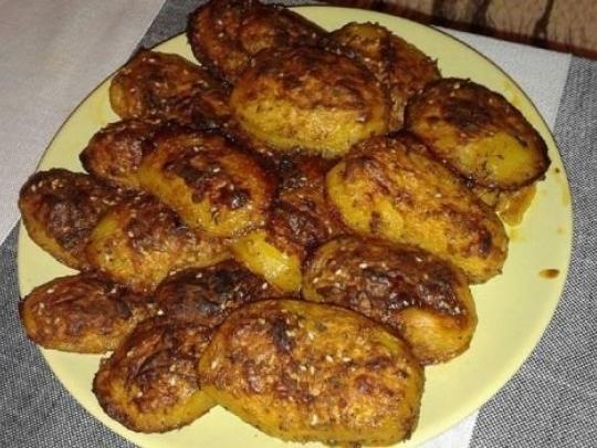 Супер картофки с чубрица и сминдух