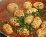Яйца в пикантен доматен сос 4