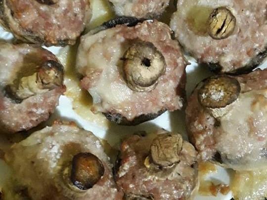 Пълнени печурки с кайма и кашкавал
