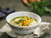 Минестроне с печени зеленчуци и песто