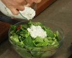 Зелена салата със сирене и репички 5