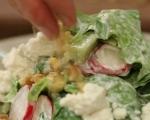 Зелена салата със сирене и репички 6