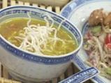 Пилешка супа с къри и пържено оризово...