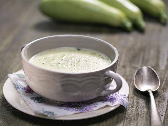 Млечна супа с тиквички