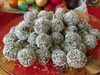 Здравословни бонбони с фурми и орехи