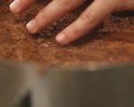 Шоколадова мус торта с ягоди 13