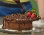 Шоколадова мус торта с ягоди 16