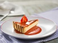 Тарт с крем сирене и ягоди