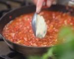 Кнедли от сирена в доматен сос 5