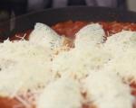Кнедли от сирена в доматен сос 6