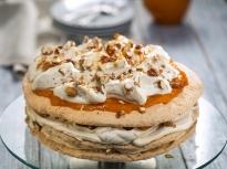 Торта с бадеми и кайсии