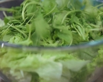 Зелена салата с малинов дресинг 2