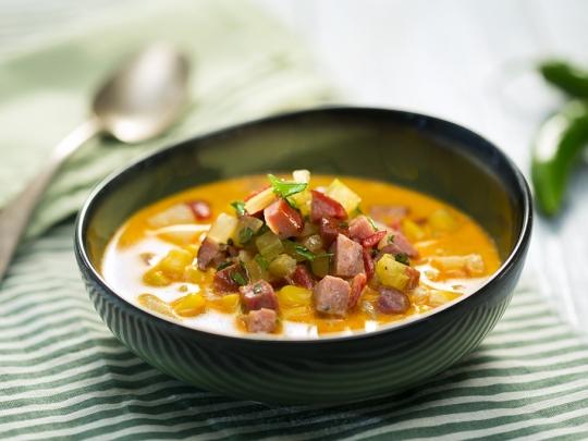 Царевична супа с деликатесен салам