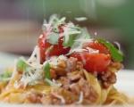 Паста с пилешко рагу и домати 7