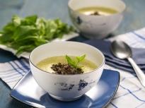 Супа от тиквички и черна леща