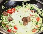 Кюфтета със спагети от тиквички 7