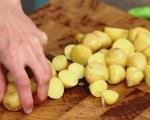 Картофена салата със сос от хрян