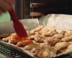 Печени пилешки крилца с меден барбекю сос 8