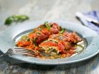 Пълнени калмари в доматен сос