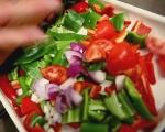Патладжанени рула в сос от домати и чушки