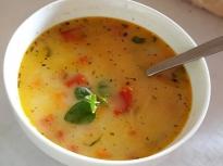 Градинарска зеленчукова супичка
