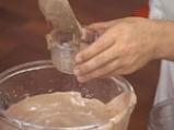 Шоколадов мус с бадеми и сос от праскови 5