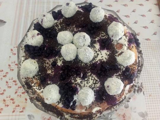 Торта с блатове от кексово тесто и два крема