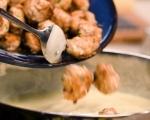 Пилешки кюфтета със сос от сиренe 7