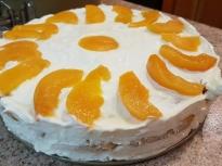 Торта с маскарпоне и праскови