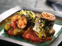 Рула от скумрия с доматен сос