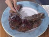 Стек от щраусово месо със сос от къпини 4