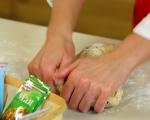 Козуначени кексчета със сушени плодове 5