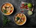 Пилешка супа с кокос и скариди 9