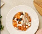 Паста с пиле, доматен сос и маслини 8