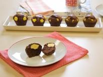 Шоколадови мъфини с чийзкейк плънка