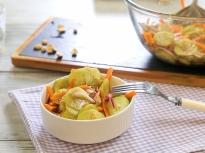 Салата от краставици и моркови