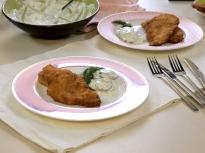 Хрупкави шницели от пилешко с баварск...