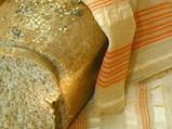 Хляб със сусам и мак