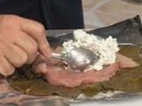 Пиле с бели сирена в лозови листа по гръцки 3