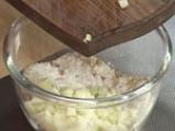 Ябълкови блокчета с орехи и стафиди 2