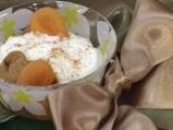 Сушени плодове с кисело мляко