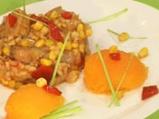 Пълнена тиква със свинско и царевица