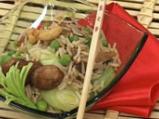 Кантонска оризова салата със зеленчуци