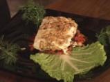Панирано козе сирене върху канапе от пресни зеленчуци и медена глазура 4